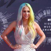 Kesha verklagt Musikproduzenten