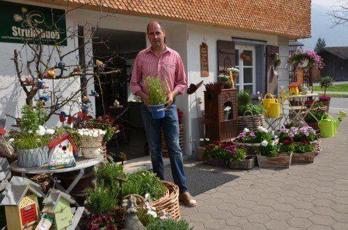 Jürgen Beer ist Gärtner aus Leidenschaft. Seine Gartenwerkstatt ist mitten in Bezau. Foto:VN/Reiner