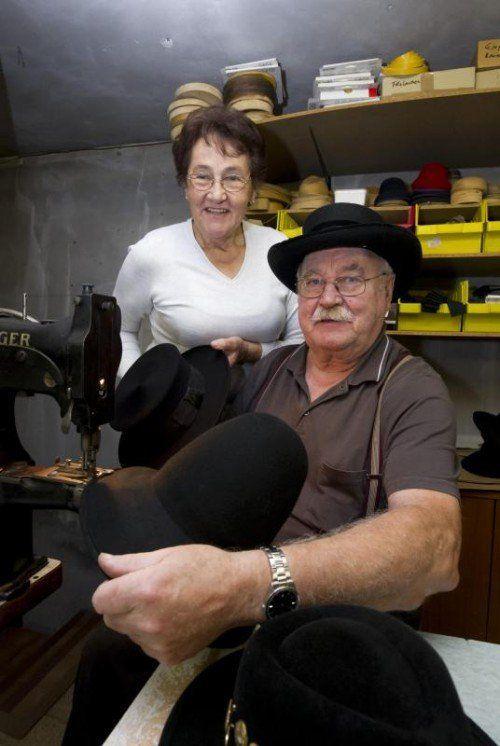 Frieda und Alfons Fritz garnieren mit ihren Hüten ganz Vorarlberg und darüber hinaus.  Foto: VN/Paulitsch
