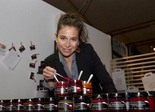 Früchte im Glas aus der Produktion von Susanne Zuppan dürfen gelöffelt werden.