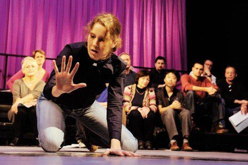 """Im Theater am Kirchplatz wird das Stück """"Die Ereignisse"""" aufgeführt. Ein Schauspiel über das Phänomen Extremismus. foto: tak"""