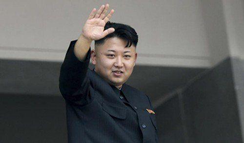 Kein Putsch, keine schwere Krankheit. Kim Jong-un ist wieder da.  AP