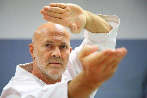 Landestrainer Walter Braitsch blickt auf 40 Jahre Erfahrung im Karate zurück. Foto: hofmeister