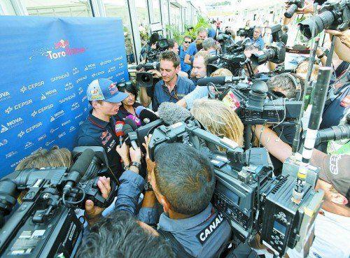 Max Verstappen weckte nach der Formel-1-Jungfernfahrt in Suzuka das Interesse der Medien. Foto: ap