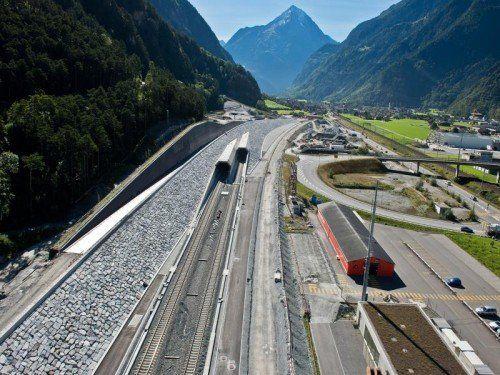 Mit 57 Kilometern wird der Tunnel durch den Gotthard zum längsten Eisenbahntunnel der Welt.  Foto: AlpTransit Gotthard AG