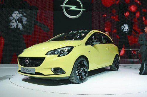 Premiere des neuen Corsa Gleich vier Neuheiten an einem Stand: Opel drückt in Paris aufs Gas. Im Mittelpunkt steht die fünfte Generation des Kleinwagens Corsa, der noch vor Jahresende vom Band laufen soll. Bestellbar ab Mitte November. Preise: ab 10.990 Euro.