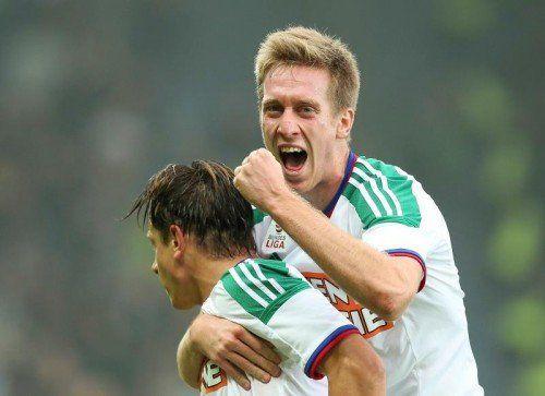Rapids Robert Beric bejubelt seinen Treffer gegen Sturm. gepa