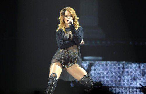 Rihanna gibt sich vor breitem Publikum gerne betont sexy – damit hat Kollegin Mel C ein Problem. Fotos: AP