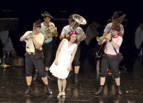 """""""Robin Hood"""" heißt die neue Musiktheaterproduktion von Sonus Brass für Kinder, die am Sonntagnachmittag erstmals in Vorarlberg gezeigt wurde. Foto: VN/Paulitsch"""