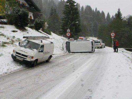 Schnee führte gestern zu einem ersten Unfall in Riezlern.  Polizei