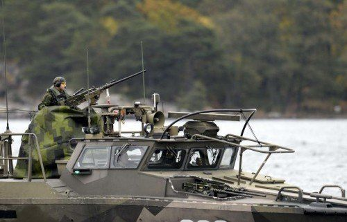Schwedens Marine ist seit Tagen auf der Suche nach einem U-Boot, das sich in schwedische Gewässer verirrt haben soll.  FOTO: REUTERS