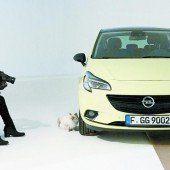Lagerfeld setzt neuen Opel Corsa in Szene
