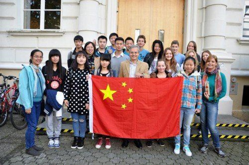 Trotz sprachlicher und kultureller Differenzen verstanden sich die chinesischen und die österreichischen Schüler auf Anhieb sehr gut.  Foto: lcf