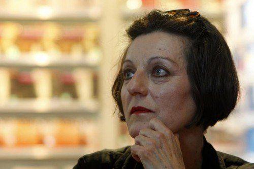 """Unter dem poetischen Titel """"Mein Vaterland war ein Apfelkern"""" lässt sich Herta Müller (61) offen und genau über ihr Leben befragen.  Foto: Cristel"""