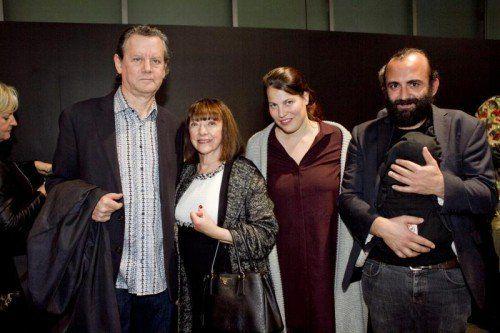 v.l. Jeff Wall mit Gattin Jeannette und Hannah Weinberger mit Freund Niku Mucaj und Tochter Anelu.