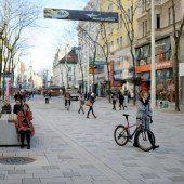 Fußgängerzone in der Wiener Mariahilfer Straße ist fertig