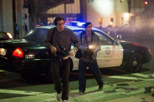 Als skrupelloser Tatortfilmer streift der abgemagerte Jake Gyllenhaal durch das nächtliche Los Angeles.  Foto: AP