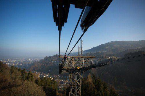 Bei der Herbstrevision der Karrenbahn wird heuer auch das Tragseil gewechselt. Foto: VN/Hartinger