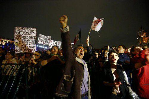 Demonstranten werfen der mexikanischen Regierung Versagen bei der Bekämpfung von Korruption und organisierter Kriminalität vor.  RTS