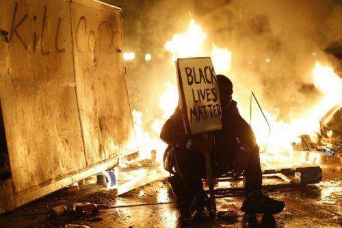 Der Fall Brown hat in den ganzen USA die Debatte neu entflammt, wie die Polizei mit Schwarzen umgeht.  Reuters