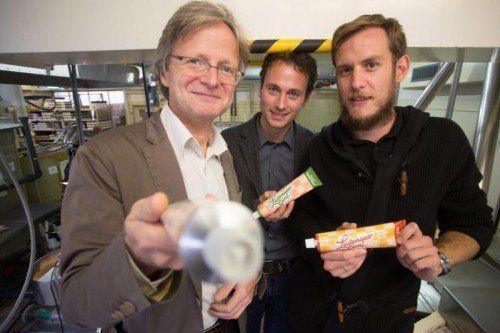 Die Grünen (links Adi Gross und in der Mitte Daniel Zadra) gaben zur neuen EU-Verordnung ihren Senf dazu. Rechts: Felix Bösch. VN/Hartinger