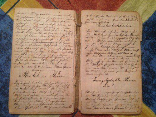 Ein Schreibheft mit durchgehend klarem Schriftbild aus dem Jahr 1888 von Rosina Kühne aus Sulz.  Foto: Baur