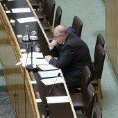 Weisungsrecht: Minister will Platz nicht räumen