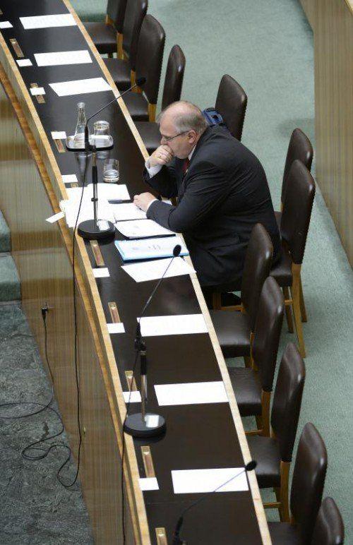 Einsamer Streiter: Minister Wolfgang Brandstetter will seinen Platz an der staatsanwaltlichen Weisungsspitze nicht räumen. FOTO: APA