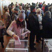 Ostukrainer wählen erstmals eigene Regierung