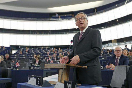 EU-Kommissionspräsident Jean-Claude Juncker stellt dem EU-Parlament die geplante Investitionsoffensive vor. FOTO: REUTERS