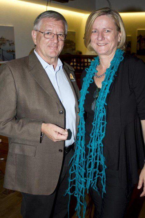 Franz Abbrederis und Dr. Maria Feuerstein.  Foto: Netz für Kinder
