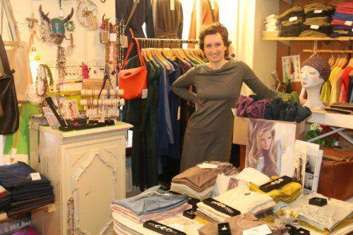 Franziska Diekmann verkauft nur das, was sie selbst gern anhat: ökologische, faire und schicke Klamotten.  Foto: Uysal