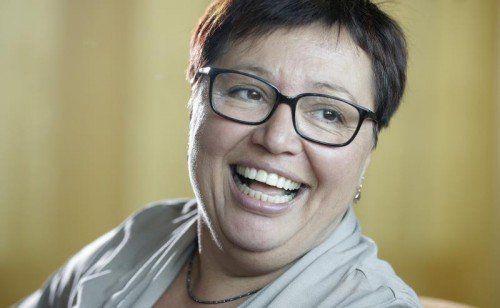 Freude über Gratiszahnspangen: Ministerin Oberhauser.  FOTO: APA