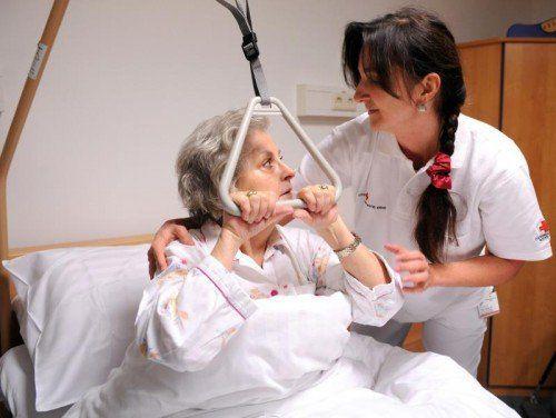 Hilfsorganisationen übten am Mittwoch Kritik an der geplanten Reform der Gesundheits- und Krankenpflegeberufe. FOTO:APA