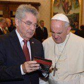 Papst, Fischer und Mozart