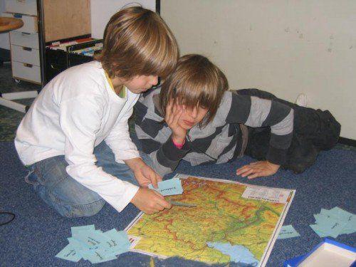 In der Montessori Schule wird auf besondere Art unterrichtet.