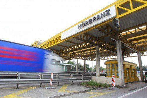 In Hörbranz endete die pausenlose Reise des Brummifahrers für eine Dauer von mindestens elf Stunden.  Foto: VN/HB