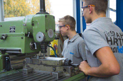 Jugendliche finden die ideale Lehrstelle, Betriebe die passenden Lehrlinge mit Lehrberuf.info.  foto: Symbol, VN/Paulitisch