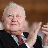 Karl Blecha bleibt Chef der SP-Pensionisten