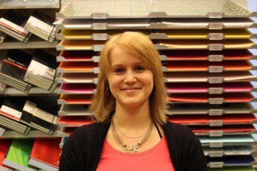 Kimberly Hager,  Einzelhandelskauffrau Ich bin für Einkauf, Warenannahme und Lehrlingsausbildung zuständig. Die Angestellten sind in alle Entscheidungen eingebunden, was ich sehr schätze.