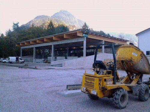 Obwohl noch nicht fertig, hilft das neue ASZ bereits, Müllentsorgungskosten zu sparen.  Foto: Stadt Bludenz