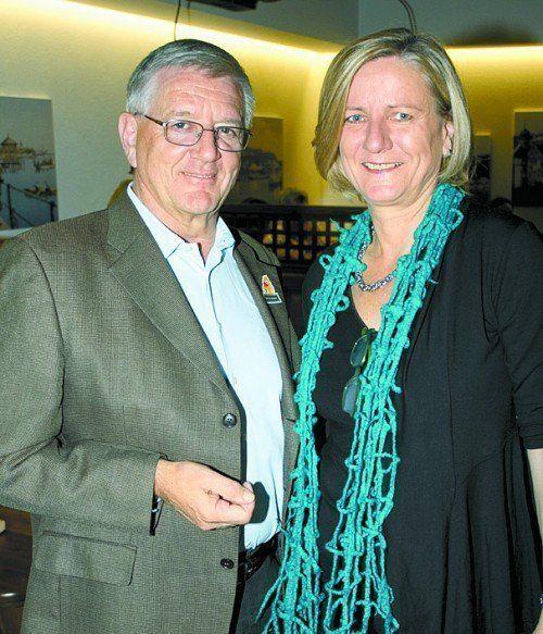 OM Franz Abbrederis und GF Maria Feurstein (Vorstand NfK).