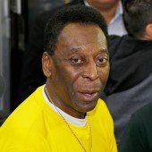 Brasiliens Legende Pelé bekommt Nierendialyse