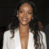 Rihanna gibt sich züchtig