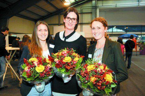 """Sarah Schwendinger, Claudia Lusser und Daniela Gemeiner (v. l.) haben die Ausbildungsmesse """"job4u"""" organisiert. Foto: Meznar"""