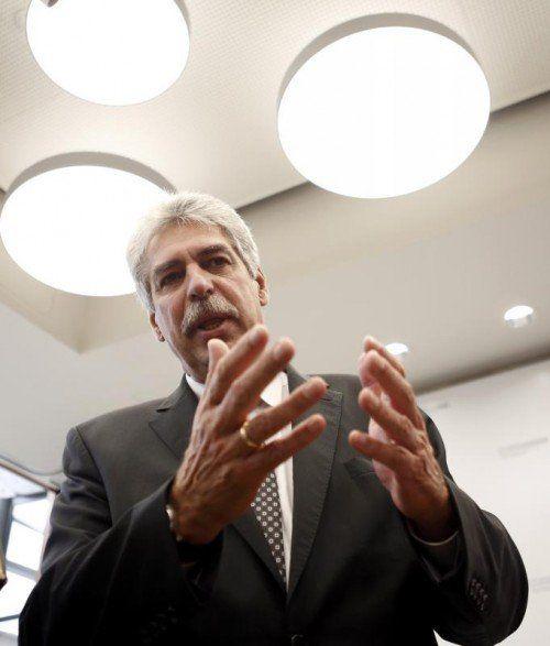 Schelling: Bankgehiemnis nur teilweise gelockert, 13. und 14. Monatsgehalt ausgeklammert. Foto: Reuters