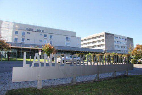 Im LKH Feldkirch müssen die Ärzte weiter auf die Reparatur des Endosonografiegerätes warten.  Foto: VOL.AT/Schwendinger