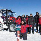 Niederländerin erreicht mit Traktor den Südpol
