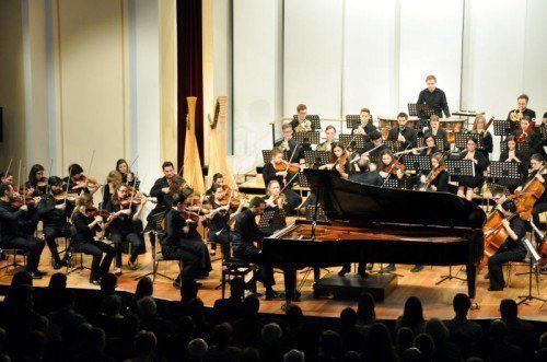 Das Sinfonieorchester des Vorarlberger Landeskonservatoriums trat gestern unter Benjamin Lack auf.  Foto: JU