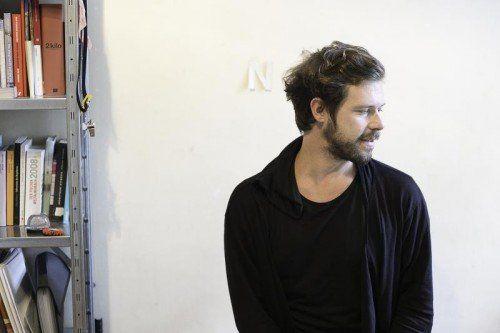 Der international renommierte Grafiker Christof Nardin entwickelt neue Ideen für ein gestalterisches Konzept des Poolbar-Festivals.